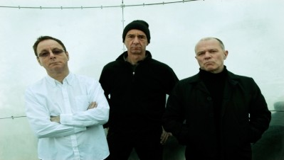 wire-band-portrait