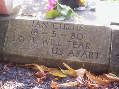 ian-curtis-gravestone
